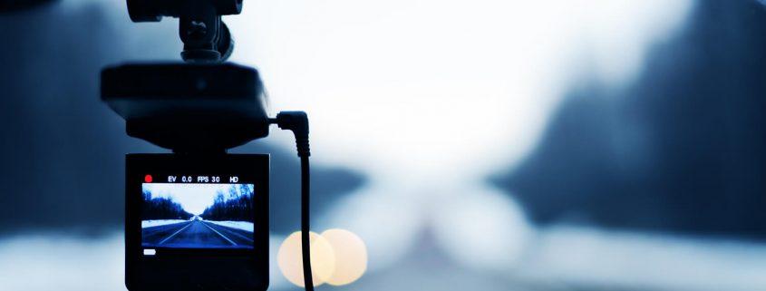 מצלמת רכב קדמית ואחורית יכולה להציל חיים